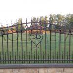 """Dekoratyvinės """"kalviškos"""" tvoros"""